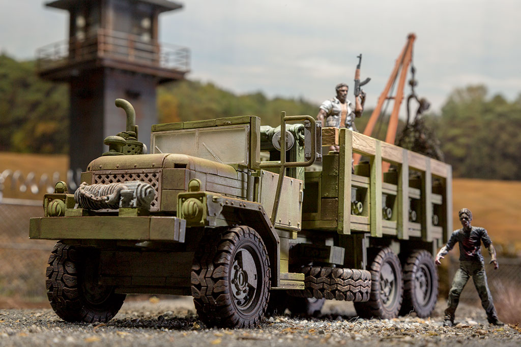 The Walking Dead Woodbury Assault Vehicle Building Set
