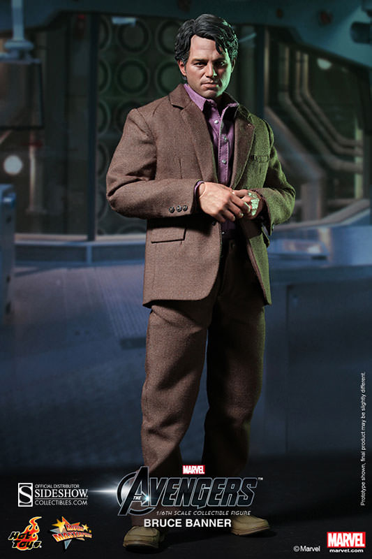 Avengers Bruce Banner Sixth Scale Figure by Hot Toys MMS229
